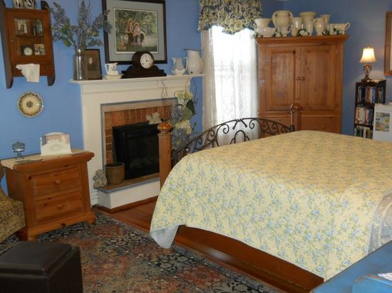 Piney Hill Bed & Breakfast: Mark Ruffner room
