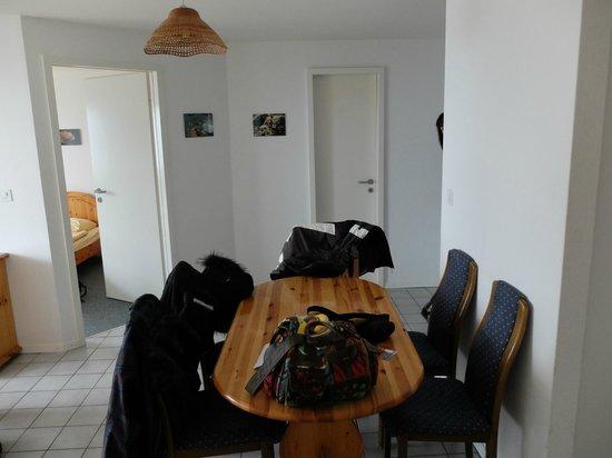 Hotel Central Residence : Salle à manger - pièce principale