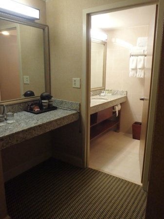 DoubleTree by Hilton Hotel Miami Airport & Convention Center: baño