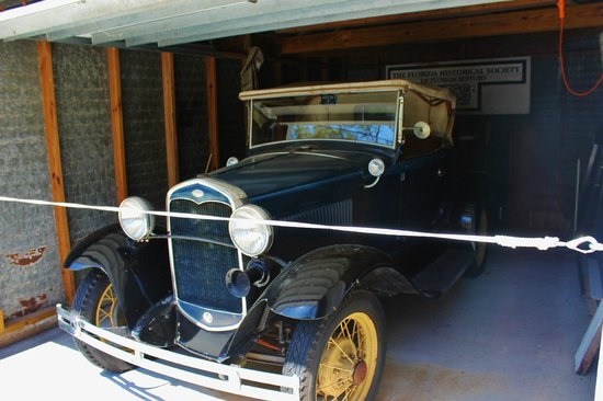 Historic Rossetter House  Museum and Gardens: old ford in garage near the parking lot