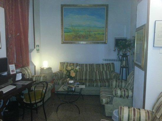 Leonardo Hotel: Seating area