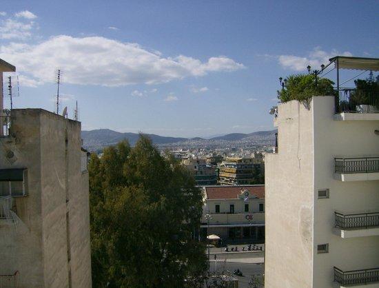 Oscar Hotel: Hotel - back view
