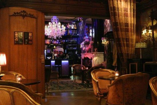 The Toren: Nice lobby