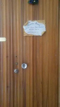 Cerdena Rooms Guest House - Bed and Breakfast : Second étage droite, entrée de l'appartement b&b