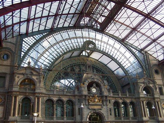 Bahnhof Antwerpen-Centraal: La Coupole
