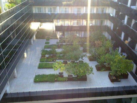 Thalasia Costa de Murcia: Jardin interior, vistas desde la terraza de arriba