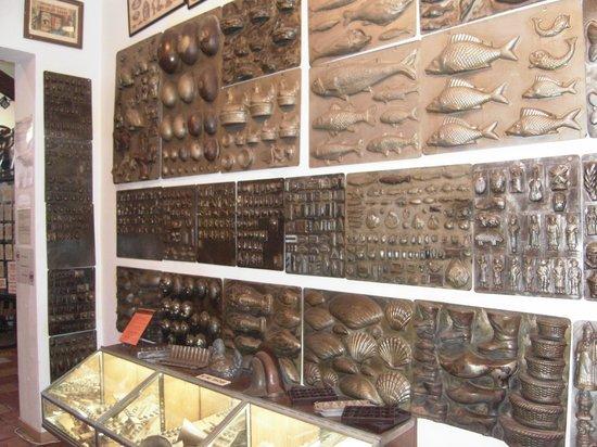 Planete Musee du Chocolat Biarritz : moldes de hierro