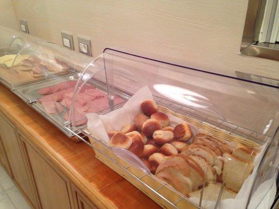 Infinity Hotel Roma : Breakfast