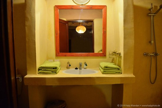 Auberge Bagdad Cafe: Bathroom