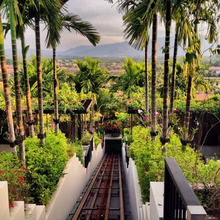 The Pavilions Phuket : Train to villas