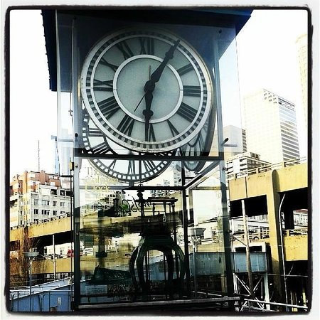 Seattle Ferry Service Day Tours : A beautiful clock inside the Ferry Terminal area