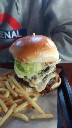 St Pirans Inn : Double classic burger.