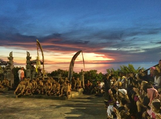 Padang Padang Surf Camp: Fire Dance at temple (GO THERE!)
