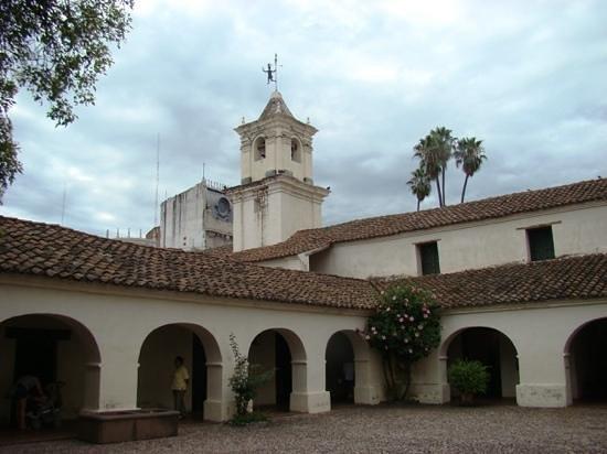 Salta Cabildo : vista de la Torre desde el patio interno.