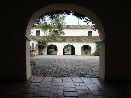 Salta Cabildo : vista del patio interno desde la galeria.