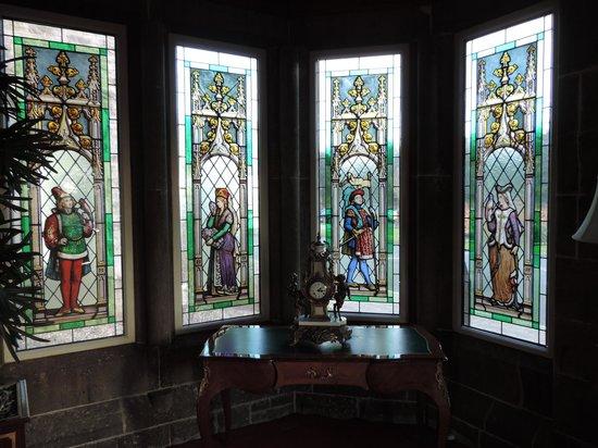 Kilronan Castle Estate & Spa: Front entrance windows