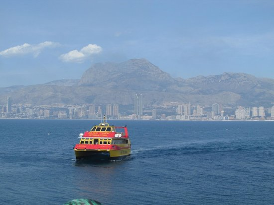 Benidorm Island : boat to collect us