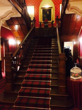 Sherbrooke Castle Hotel: Main staircase