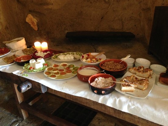 Sextantio Le Grotte della Civita: Breakfast