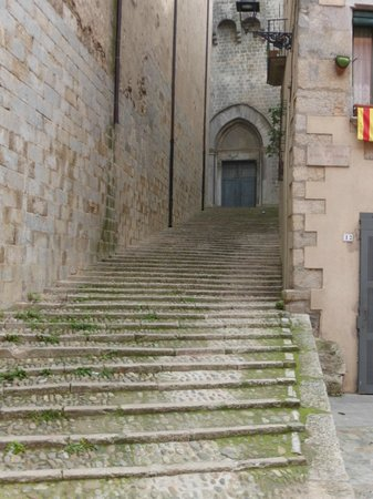 Spanish Trails Day Tours and Events : Girona