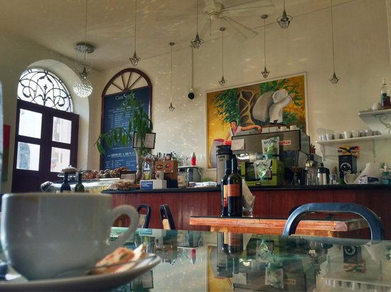 Casa Sucre Coffeehouse: Great Coffee & Helpful Staff