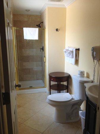 Flamingo Inn : Bathroom