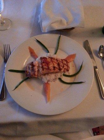 The Brentwood Restaurant & Wine Bistro: Grilled salmon! Nom nom!