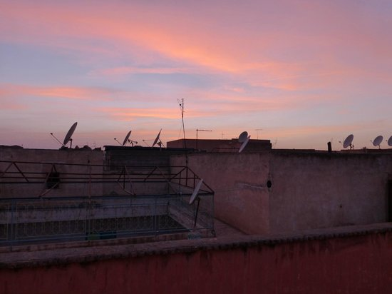 Riad Charme d'Orient : Rooftop sunset