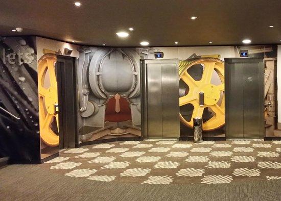 Ibis London Heathrow Airport: Funky Design - Lift Area