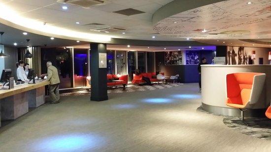 Ibis London Heathrow Airport: Main Reception