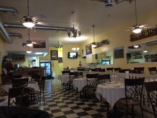 Taste of Tuscany : Inside the restaurant