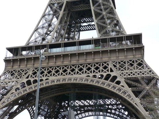 Tour Eiffel : Impresiona su estructura