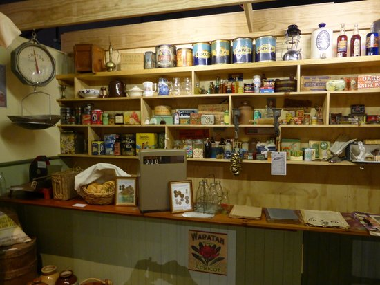 The Channel Heritage Centre: old shop from the 1940s/1950s