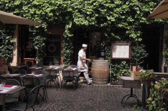 Vineria Il Chianti : Yard 2