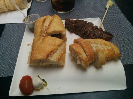 Bayres beef Argentina en tapas: Plato de la carta  M1