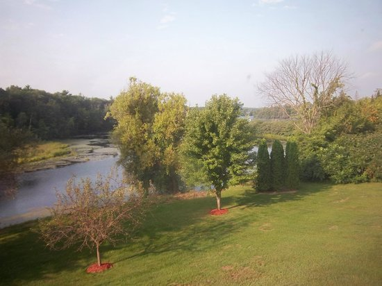 BEST WESTERN American Heritage Inn: View from our room