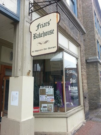 Friars' Bakehouse: Very inviting. Quaint & cozy.