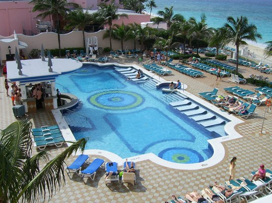 Hotel Riu Palace Paradise Island : pool