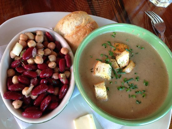 Nepenthe : Hearty mushroom soup with bean salad on the side