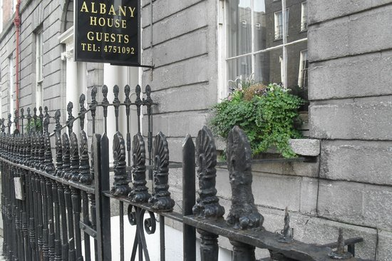 Entrada picture of albany house dublin tripadvisor for Albany house