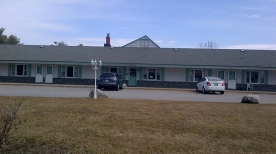 Greystone Motel: Front view