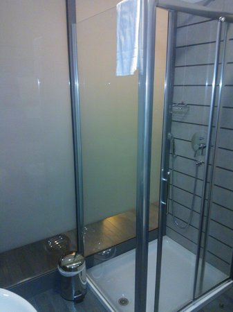 Hotel Sporting: Bathroom 2