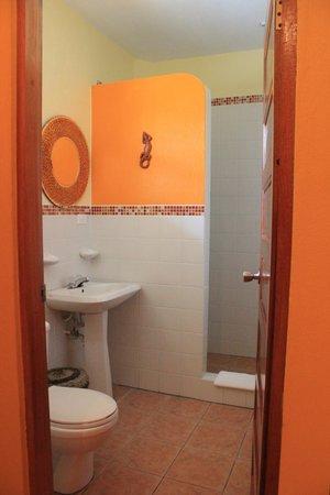 Seaside Cabanas: Cabana #4 Bathroom