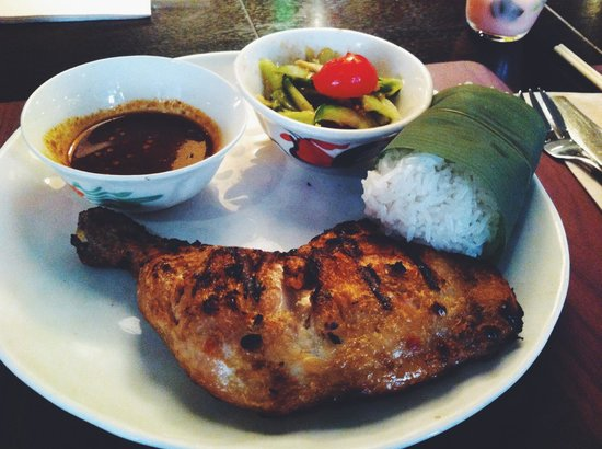 Busaba Eathai: Grilled chicken with sticky rice and cucumber salad