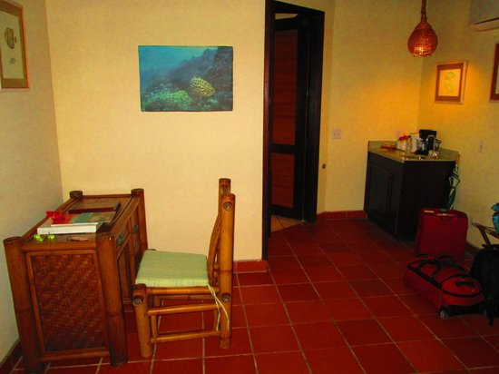 Palm Island Resort & Spa : Room - desk
