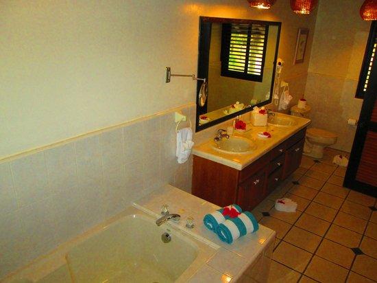 Palm Island Resort & Spa : Bathroom