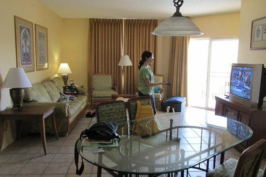 Vacation Village at Parkway : living room space