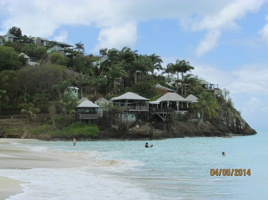 COCOS Hotel Antigua : A view of the bungalows from the beach below