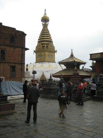 Swayambhunath Temple: na de regen...