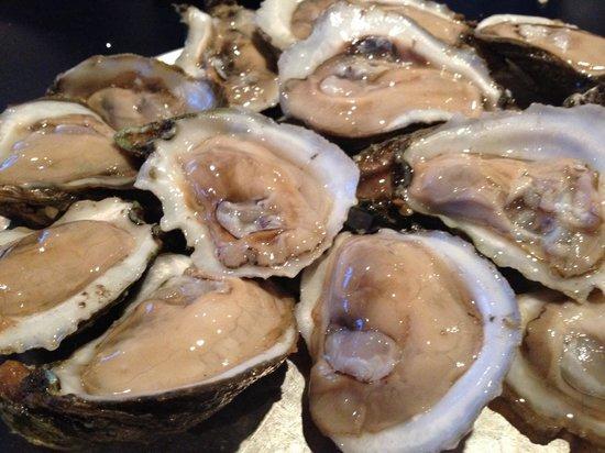 Shrimp Basket: Raw Oyster
